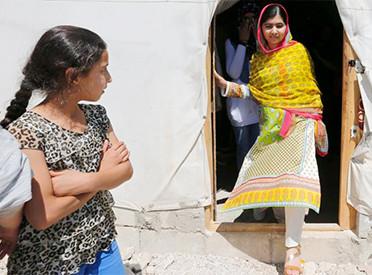 Malala festejó su cumpleaños abriendo escuela para refugiados