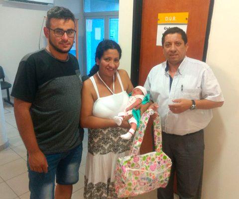 Entrega De Bolsos Para Recién Nacidos